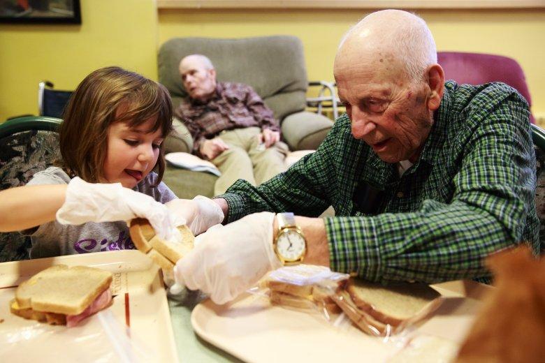 idős emberek közös felkészítése